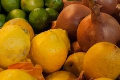 La Boqueria Zitronen, Lemonen, Zwiebeln